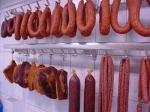 опасная пища 300x225 Самые опасные мясные продукты. Не ешьте их   сохраните здоровье.